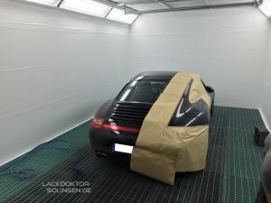 Teillackierung am Porsche